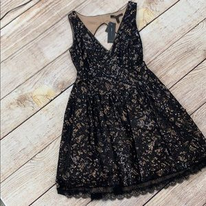 BNWT BCBG open back lace sequin dress w/ pockets